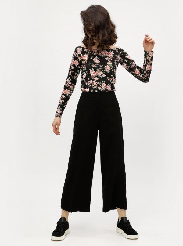 Čierne kvetované tričko s odhalenými ramenami Haily's Estelle