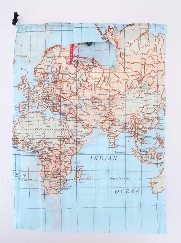Modré cestovné vrecúško na bielizeň Kikkerland Mapa