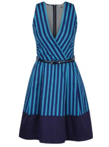 Tyrkysovo-modré pruhované šaty s prekladaným výstrihom a opaskom Closet