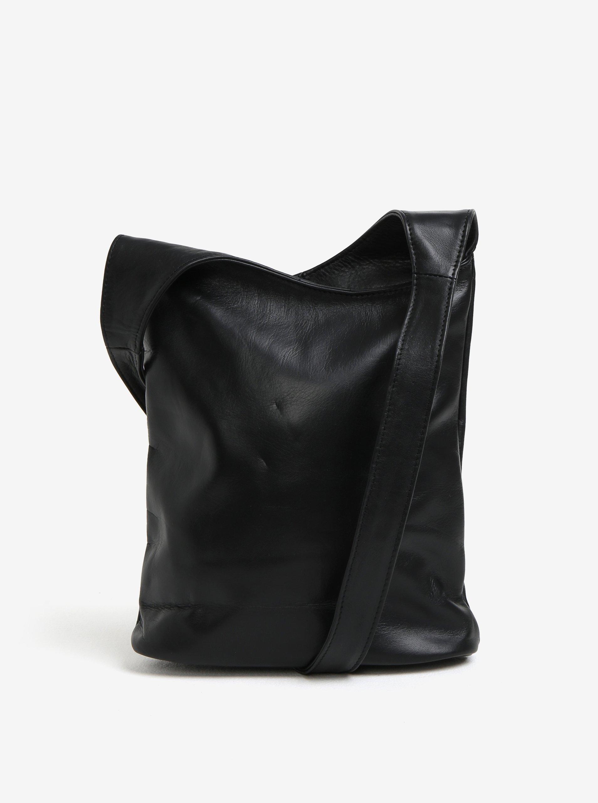 154f0b01e9 Čierna dámska kožená crossbody kabelka KARA