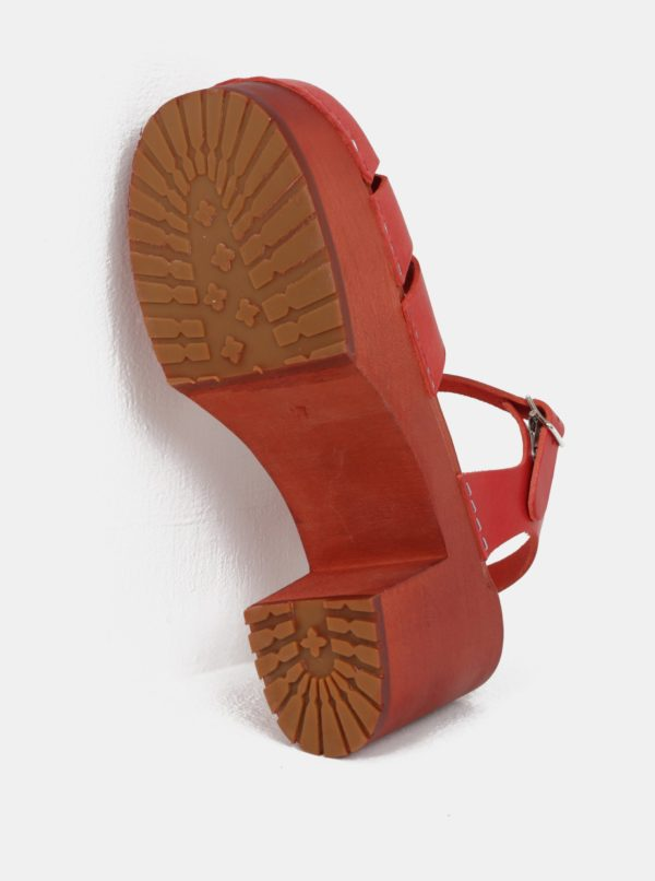 Dreváky na podpätku s červenými koženými remienkami Swedish Hasbeens Baskemölla Sandal