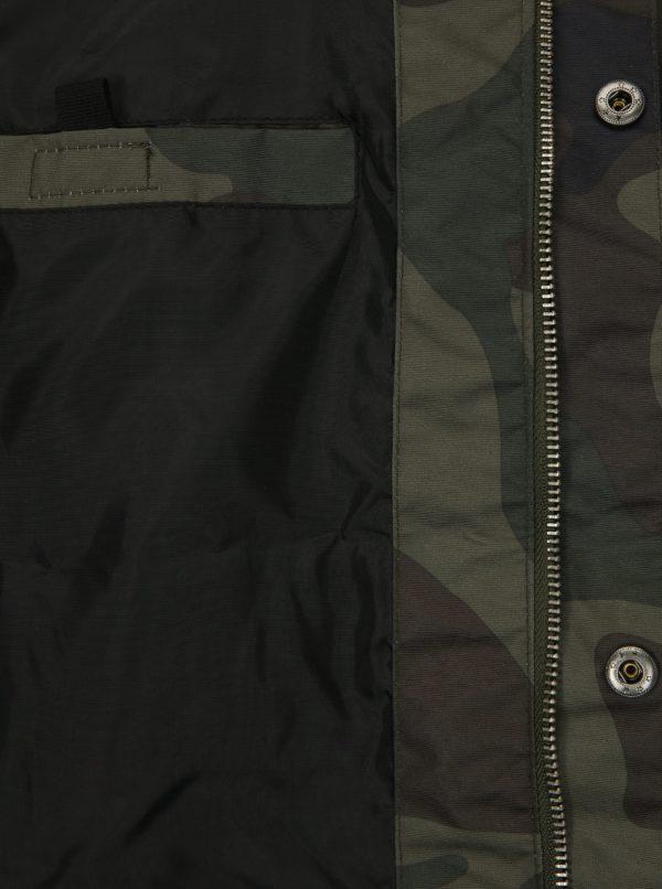 Tmavozelená pánska maskáčová vodovzdorná bunda NUGGET Kubsov