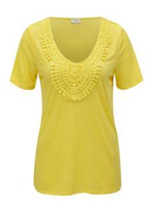 Žlté tričko s čipkovanou nášivkou Jacqueline de Yong Dodo