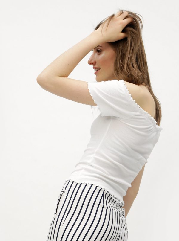 Biely crop top s odhalenými ramenami Miss Selfridge