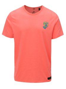 Neónovooranžové pánske regular fit tričko s potlačou na chrbte O'Neill Beach