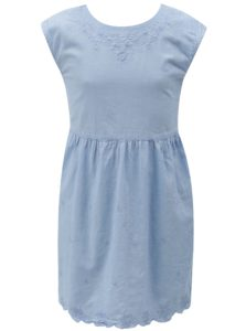 Svetlomodré šaty s výšivkou a mašľou na chrbte 5.10.15.
