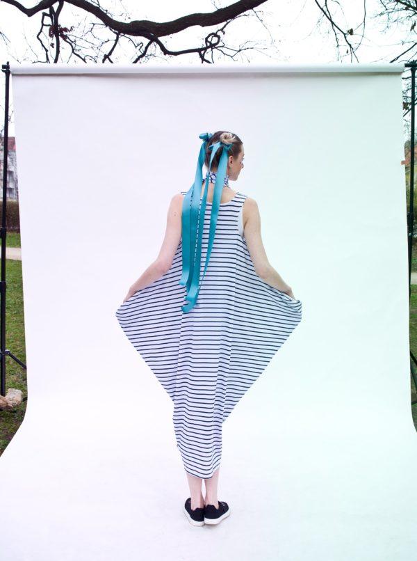 Bielo–modré pruhované maxišaty La femme MiMi