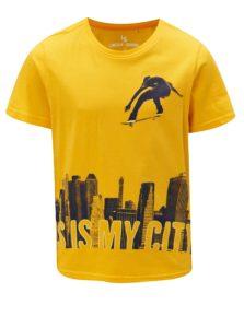Žlté chlapčenské tričko s potlačou 5.10.15.