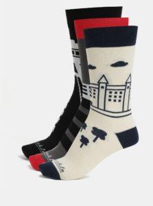 Darčeková súprava troch párov unisex ponožiek so slovenskými dominantami Fusakle Bratislava