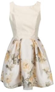 krémové šaty so vzorovanou sukňou