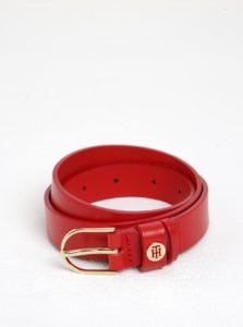 Červený dámsky kožený opasok s prackou v zlatej farbe Tommy Hilfiger