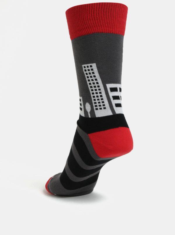 Červeno-sivé unisex ponožky Fusakle Pééétržka
