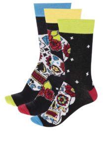 Súprava troch pánskych farebných ponožiek s lebkami Oddsocks Wesley