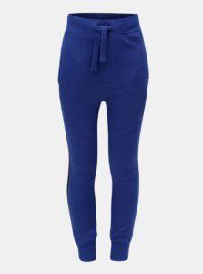 Modré chlapčenské tepláky s pruhom na nohaviciach Blue Seven
