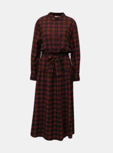 Vínovo-čierne kockované košeľové dlhé šaty Moss Copenhagen Ena