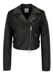 čierna kožená bunda s cvokmi
