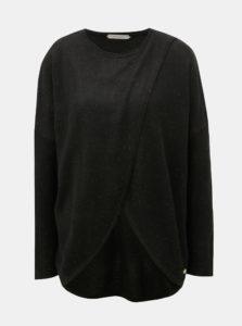 Čierny prekladaný sveter s prímesou vlny SKFK Gazeta