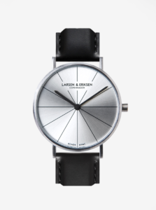 Unisex hodinky v striebornej farbe s koženým remienkom LARSEN & ERIKSEN 41 mm