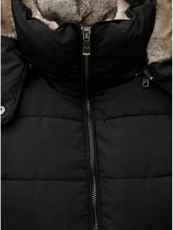 Čierna prešívaná zimná bunda s umelou kožušinkou ONLY Vigga  4005e1e333e