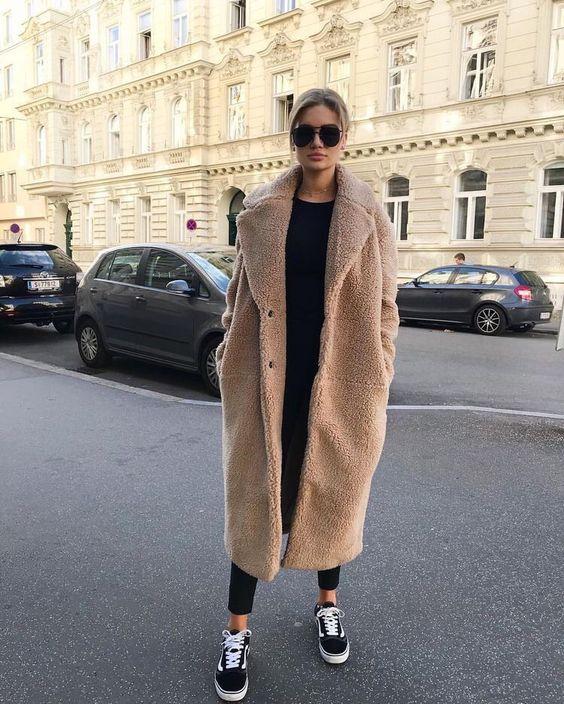 Aký strih kabátu je ideálny pre vašu postavu?