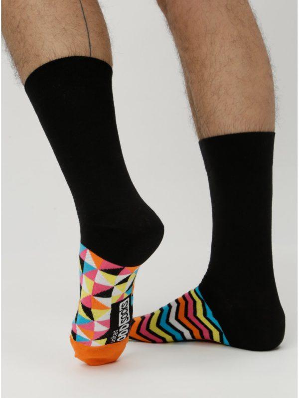Balenie šiestich unisex vzorovaných ponožiek v čiernej a žltej farbe Oddsocks Hot Shot