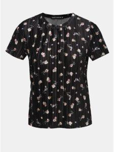 6aefd513c854 Čierne zamatové kvetované rebrované tričko TALLY WEiJL