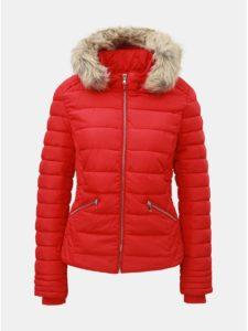 Červená prešívaná zimná bunda s umelou kožušinkou TALLY WEiJL