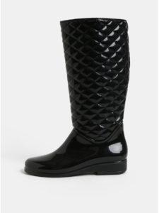 Čierne lesklé gumáky s plastickým vzorom OJJU