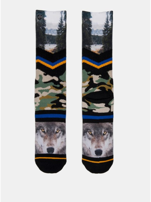 Zeleno–čierne pánske maskáčové ponožky s motívom vlka a lesa XPOOOS