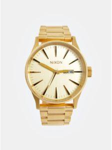 Pánske hodinky s nerezovým remienkom v zlatej farbe NIXON