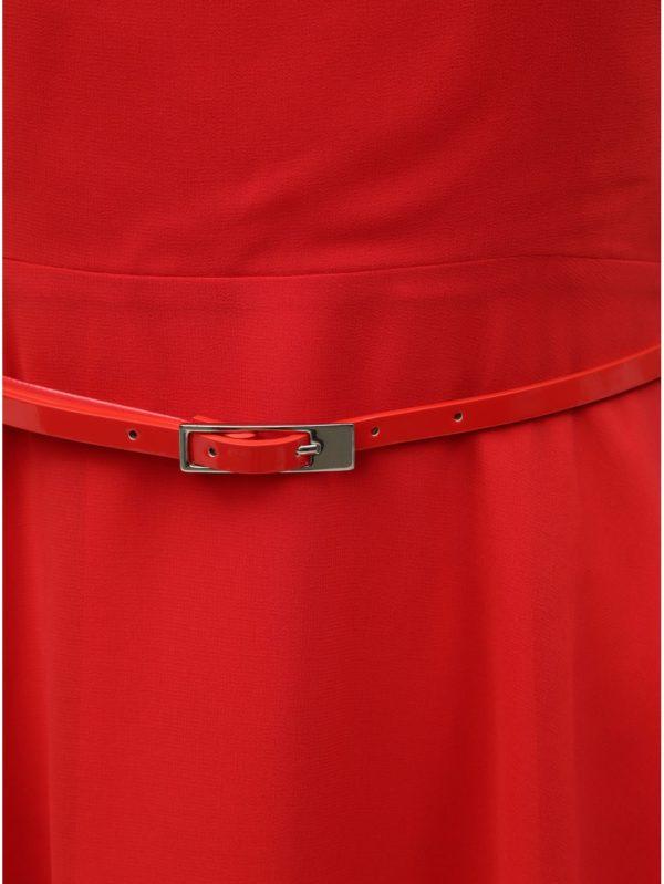 Červené šaty s opaskom Billie & Blossom Petite