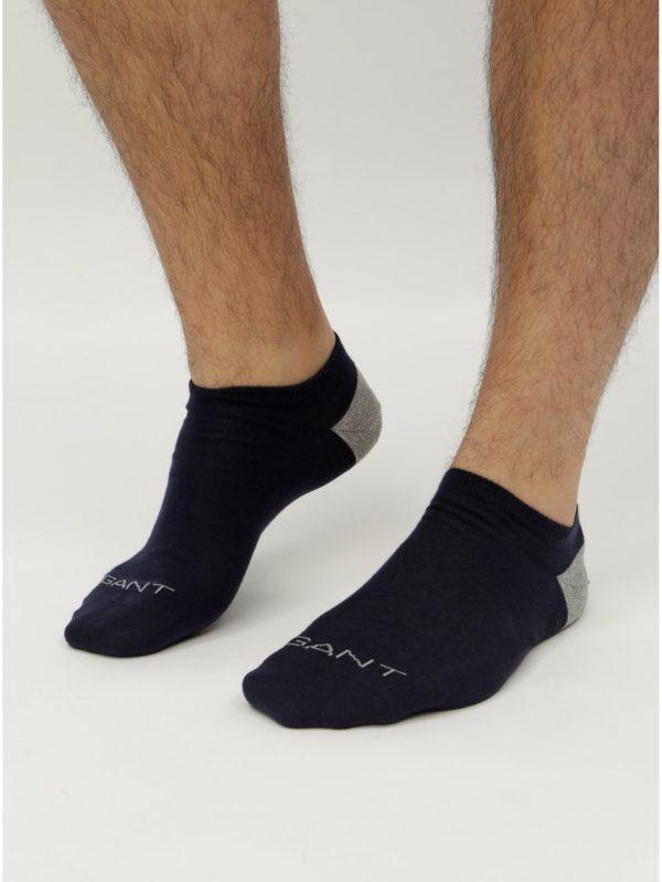 Balenie dvoch párov červených a modrých nízkych ponožiek GANT
