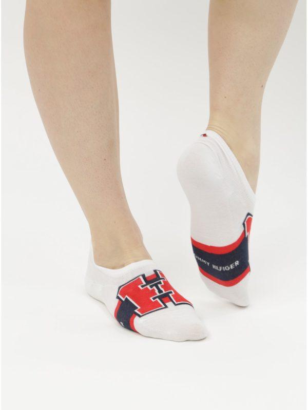 Balenie štyroch párov ponožiek v bielej a modrej farbe Tommy Hilfiger