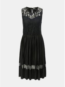 Čierne plisované šaty s čipkovanými detailmi Jacqueline de Yong Marni