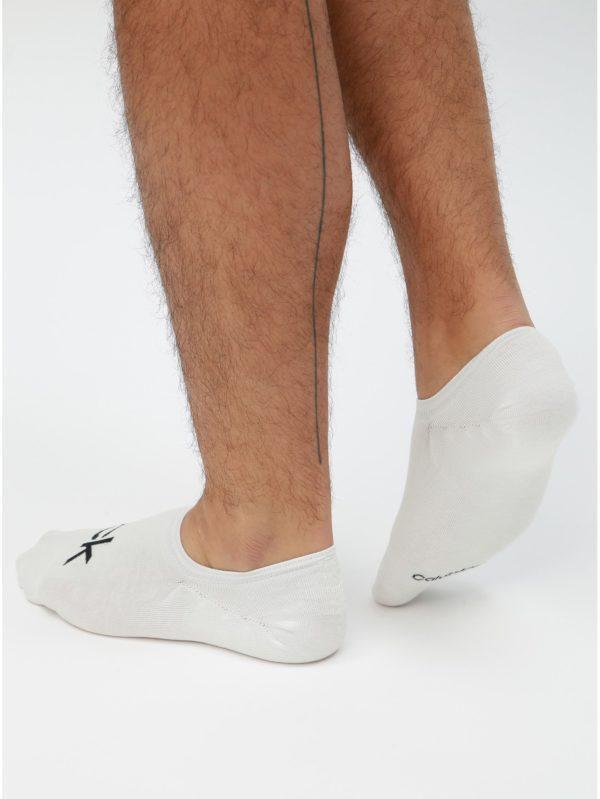 Balenie troch párov bielych pánskych členkových ponožiek Calvin Klein Jeans