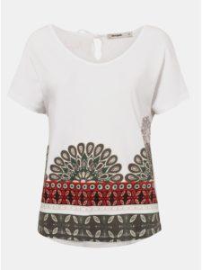 Biele tričko s potlačou a výšivkou Desigual Uma