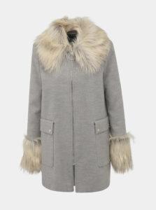 Šedý kabát s detailmi z umelej kožušiny Miss Selfridge