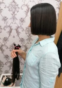 Ostrihajte si dlhé vlasy a darujte ich na výrobu parochne