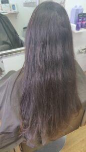 Dlhé vlasy pred ostrihaním