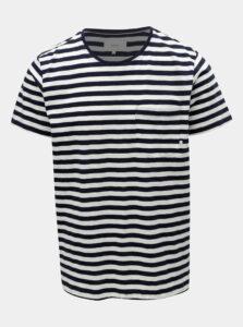 Bielo–modré pánske pruhované basic tričko s vreckom Makia Verkstad