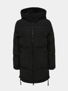 Čierny zimný prešívaný kabát so zipsami na bokoch VERO MODA Oslo