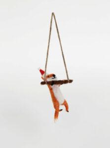 Oranžová vianočná dekorácia v tvare líšky Sass & Belle Festive Fox
