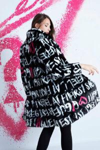 Kabáty pre ženy Guess